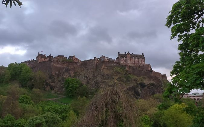 The grandeur of Edinburgh Castle (and the unpredictable weather!)